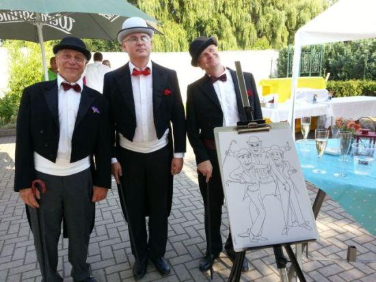 Drei interessante Gäste bei einer Veranstaltung